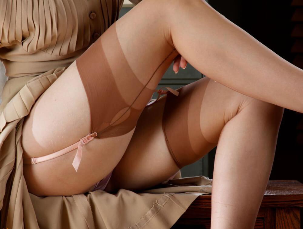 Сексуальные чулки и колготки